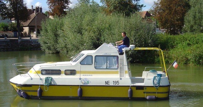 Classic Triton 860 Fly te huur van particulier of professional in Agde