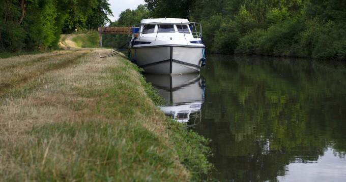 Bootverhuur Premium Tarpon 37 DP in Fürstenberg/Havel via SamBoat