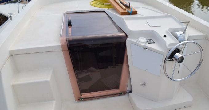 Verhuur Woonboot in Agde - Premium Tarpon 37 DP