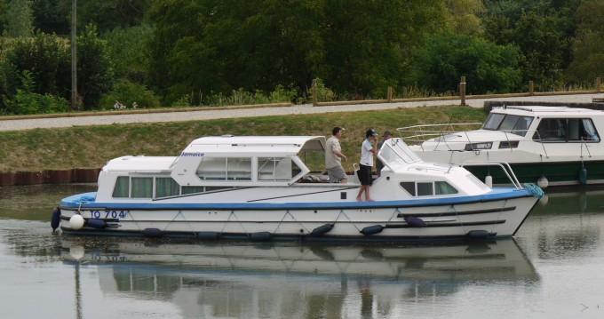 Verhuur Woonboot in Briare - Low Cost Jamaica S