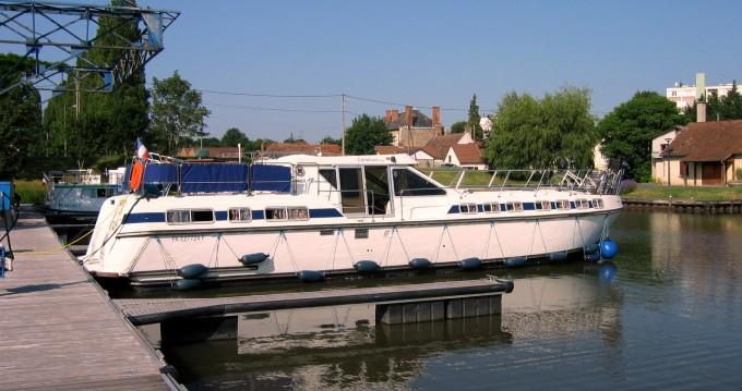 Verhuur Woonboot in Agde - Premium Tarpon 49 QP