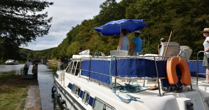 Verhuur Woonboot in Châtillon-en-Bazois - Classic Tarpon 42