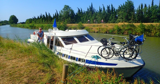 Huur een Classic Tarpon 42 in Pontailler-sur-Saône