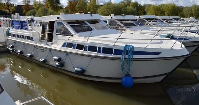 Huur Woonboot met of zonder schipper Classic in Agde