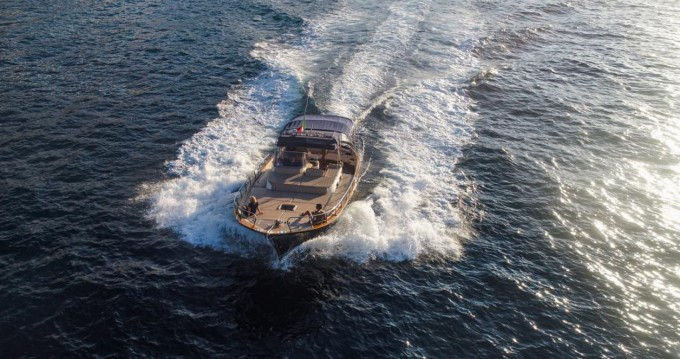 Fratelli Aprea Sorrento 36 Open Cruise te huur van particulier of professional in Sorrento