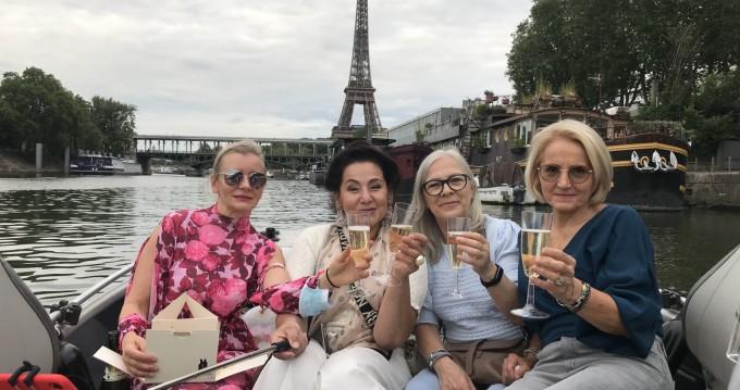 Huur een Skylla 500 in Paris